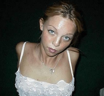 femme-nue-sexy-bois.jpg